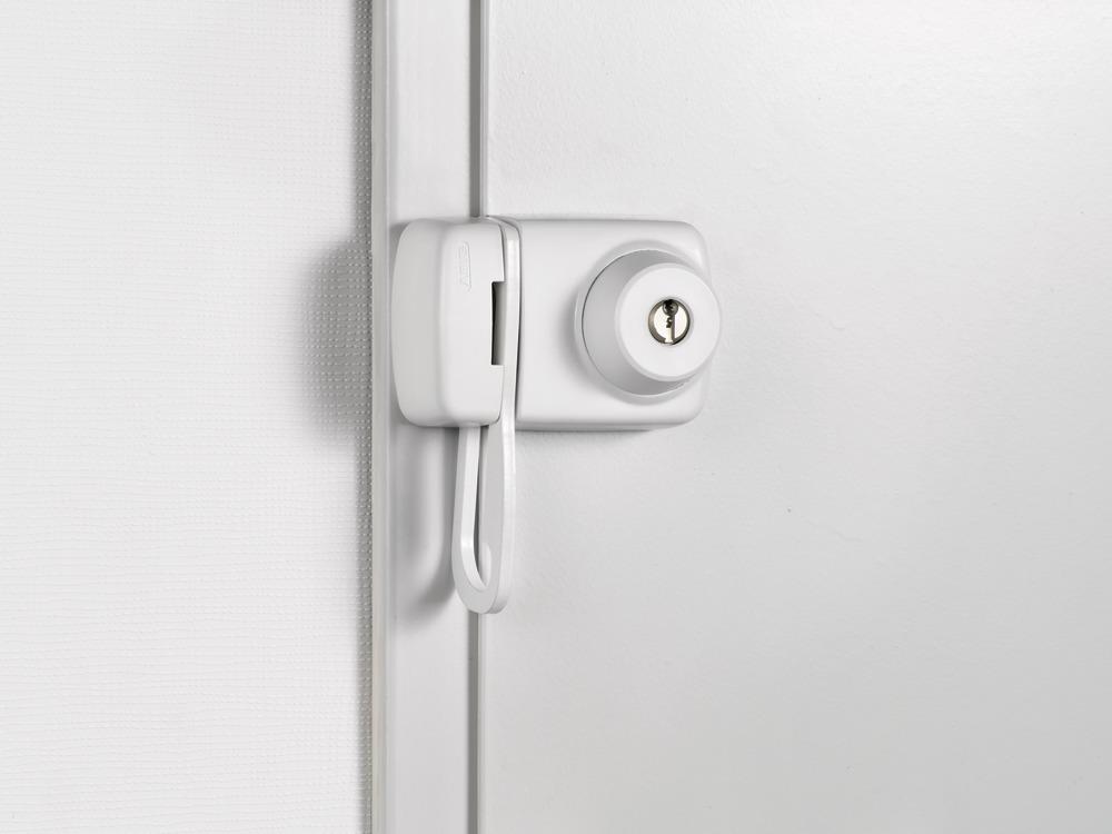 Beispielbild: Tür-Zusatzschloss ABUS 7530 an Türe montiert